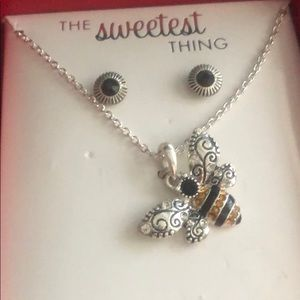 Bee Necklace Set 🐝